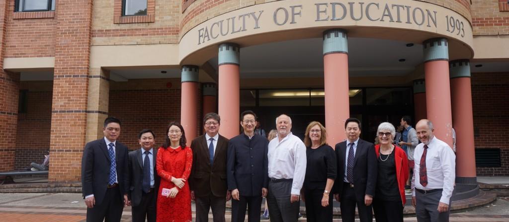 学部主任袁振国率团访问澳大利亚著名高校并签署合作备忘录