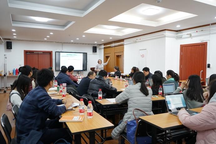 国际与比较教育研究所举行英文论文写作工作坊