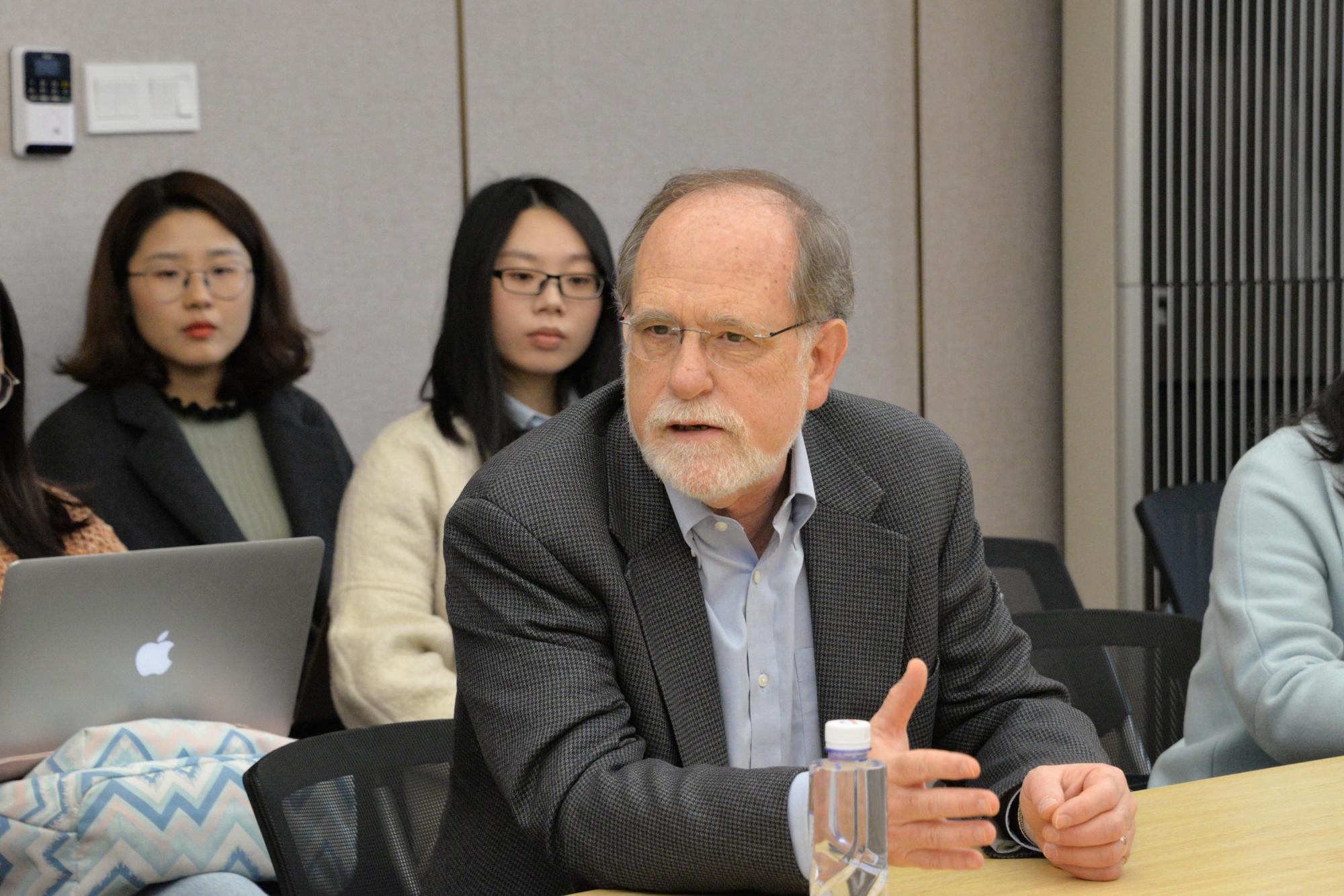 把学术优势转化为教学优势:华东师大教育学部打造国际学术周