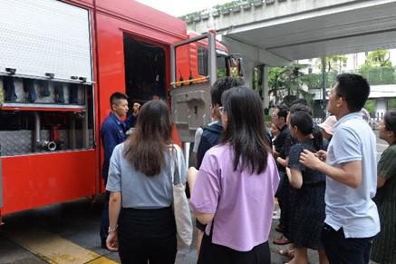 警钟长鸣,安全常在——教育学部组织师生赴长宁消防中队参观学习