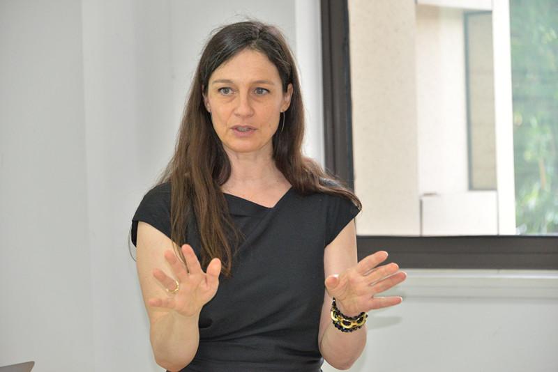 中法研究生项目讲座 教育学部承办法国里昂高师副教授Sophie Soury-Lavergne的学术讲座