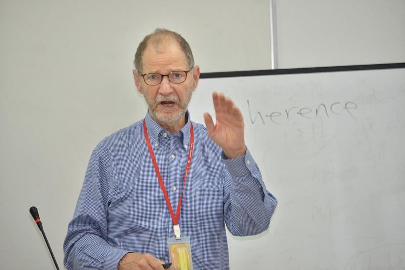 """美国北卡罗来纳大学教堂山分校杰出教授G.Williamson (Bill) McDiarmid为学部开设全英语课程""""Writing Dissertations and Academic Articles"""""""